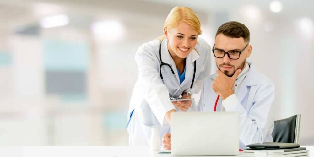 10 Best Laptops For Nursing Students – Reviews & Buying Guide 2021