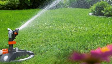 6 Best Sprinklers For Small Lawn - Water Your Home Turf Without Hassles